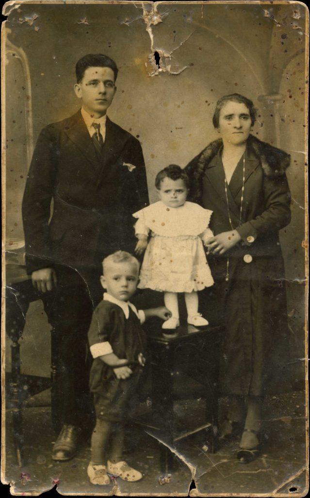 Foto Egidio Martini - La famiglia di Giuseppe Martini nel 1936