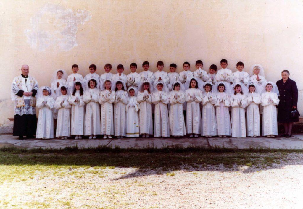 Foto Felice Trinca - 11 maggio 1972: prima comunione della classe 1964