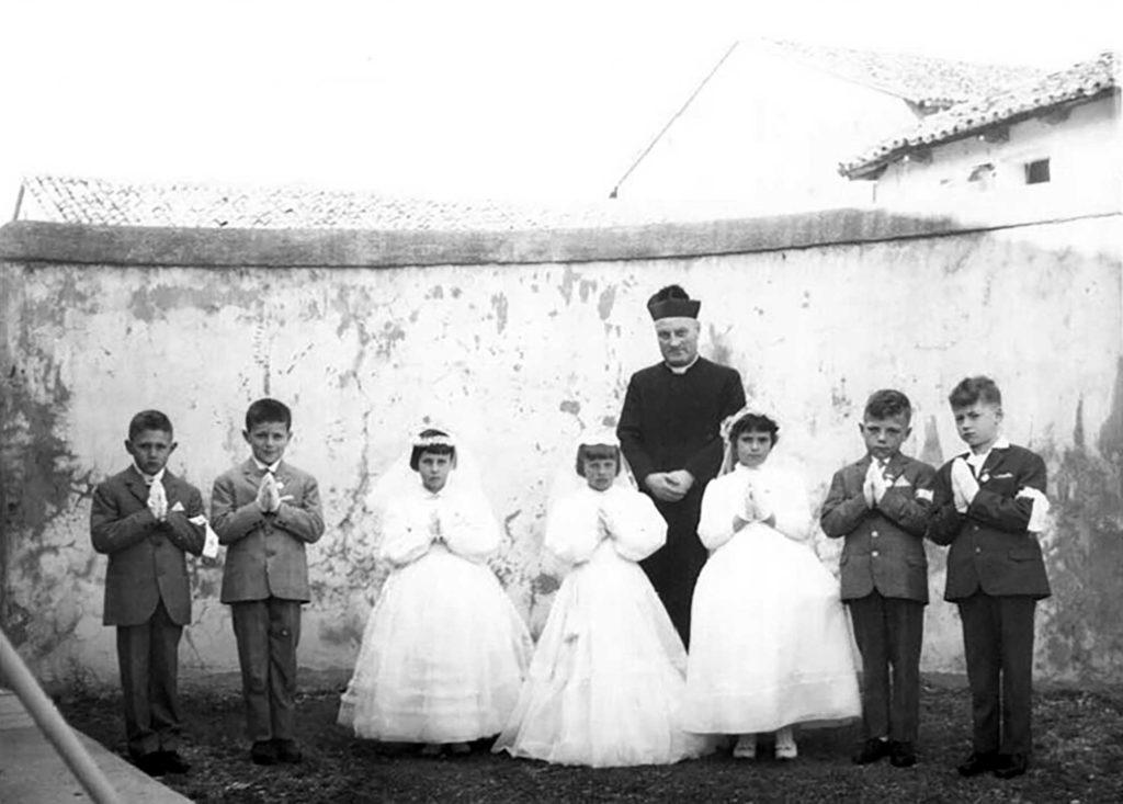 Foto Gabriele Omega - La prima comunione della classe 1956