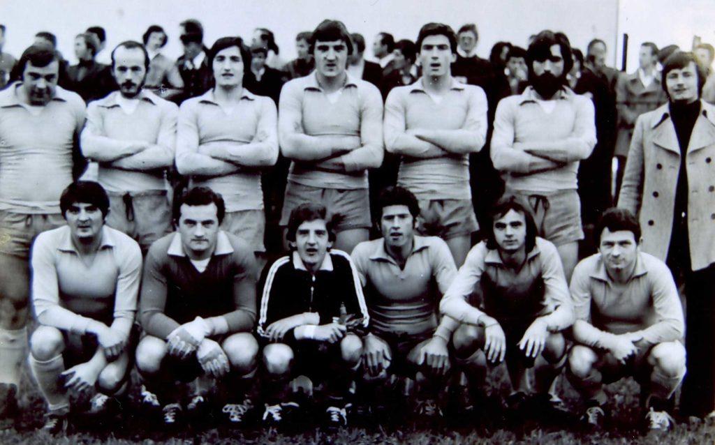 Foto Giacinto Bandiera - Anni '70: la squadra di calcio di Barcon