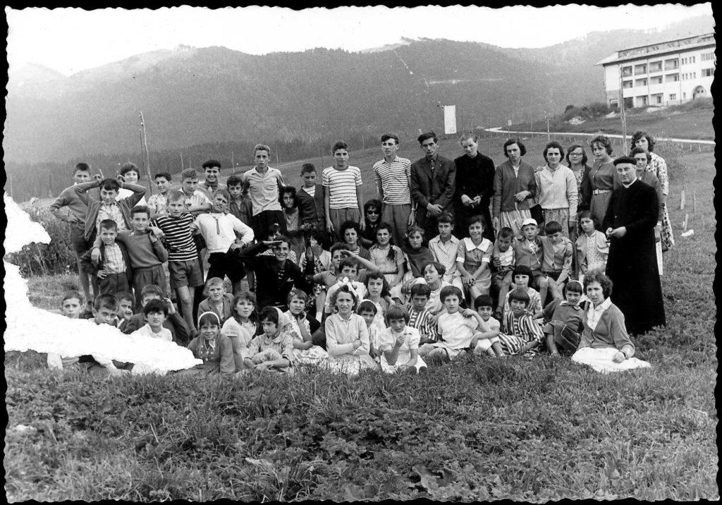 Foto Ida Trinca - 30 agosto 1960: foto di gruppo in gita nel Cansiglio