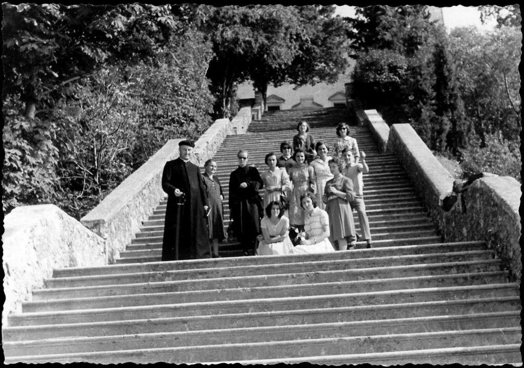 Foto Ida Trinca - Foto di gruppo in gita al santuario della Madonna della Corona a Caprino Veronese (VR)