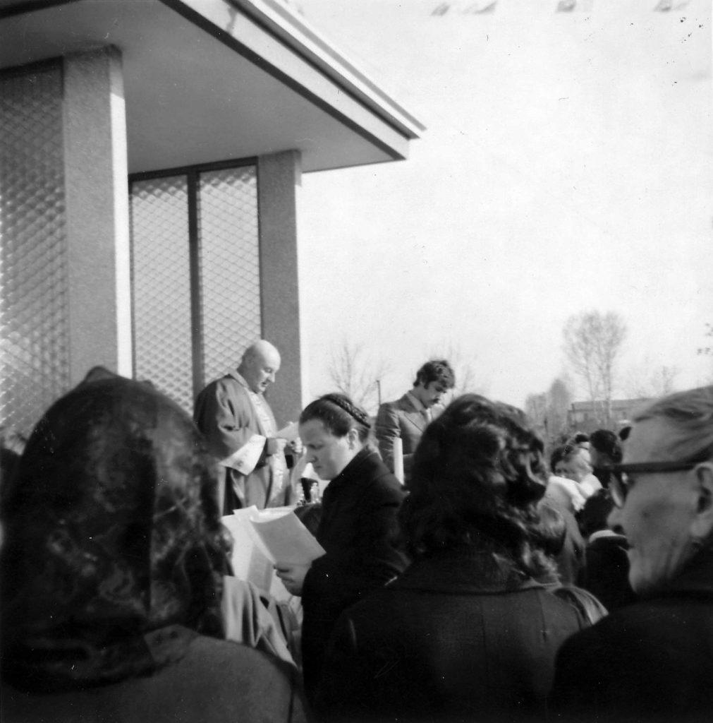 Foto Ida Trinca - 19 marzo 1972: celebrazione della festa di San Giuseppe con una messa al capitello in contrada Soligo