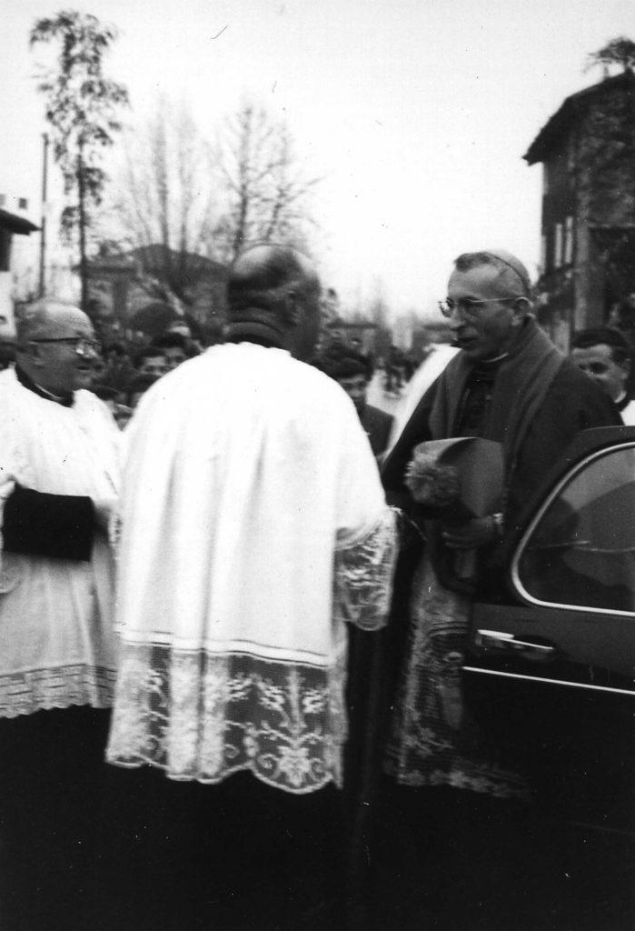 Foto Ida Trinca - Il Vescovo Antonio Mistrorigo con don Alberto e don Massimino