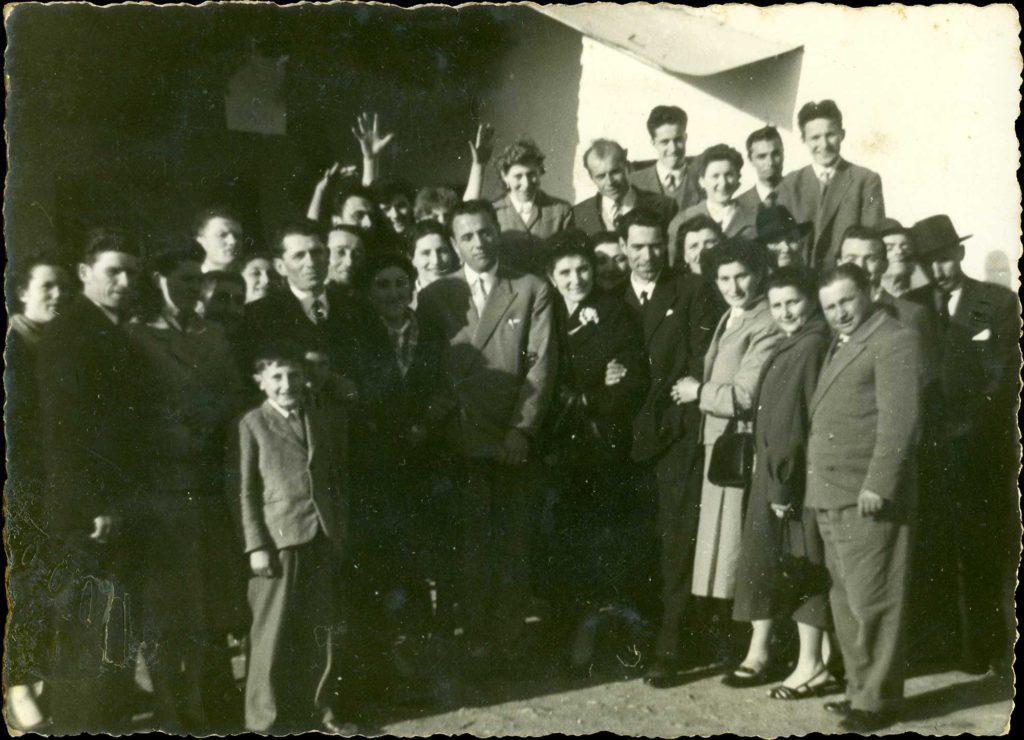 Foto Guido Mardegan - Foto di gruppo con gli invitati al matrimonio 7 aprile 1956