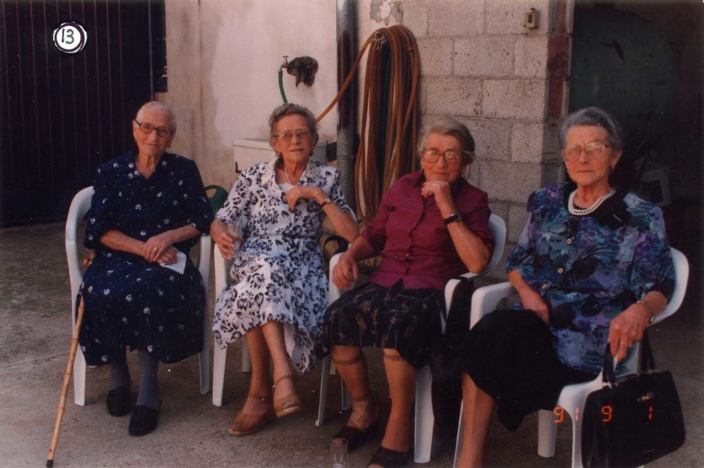 Foto Mario Soligo - 1 settembre 1991 - Le quattro sorelle Sartor
