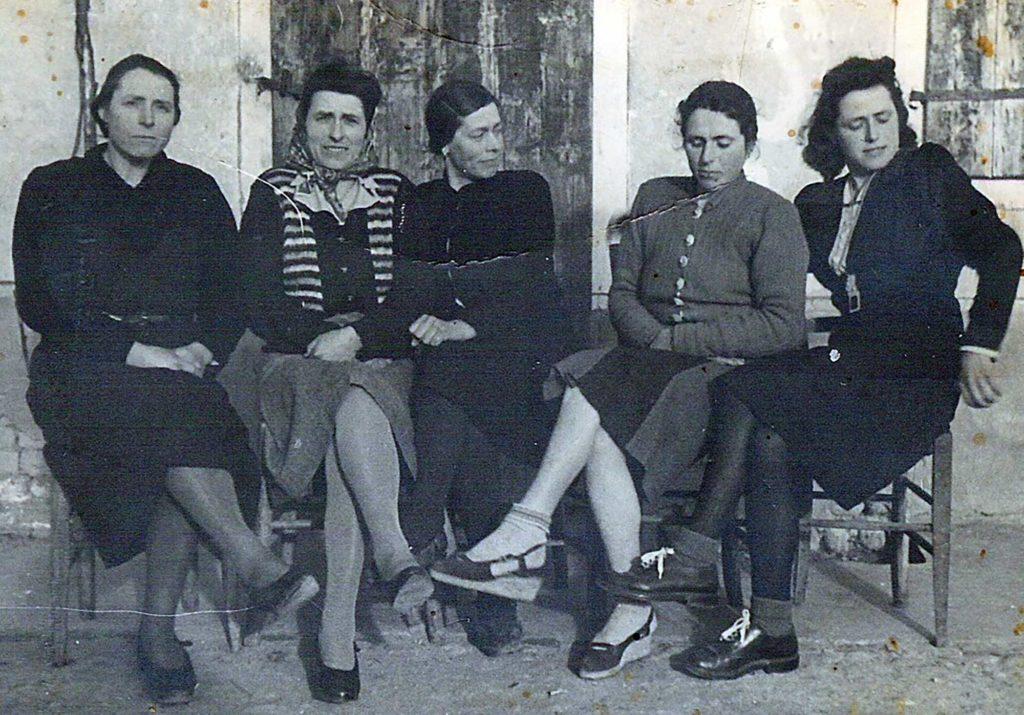 Foto Maurizio Soligo - Anni '50: le sorelle Sartor