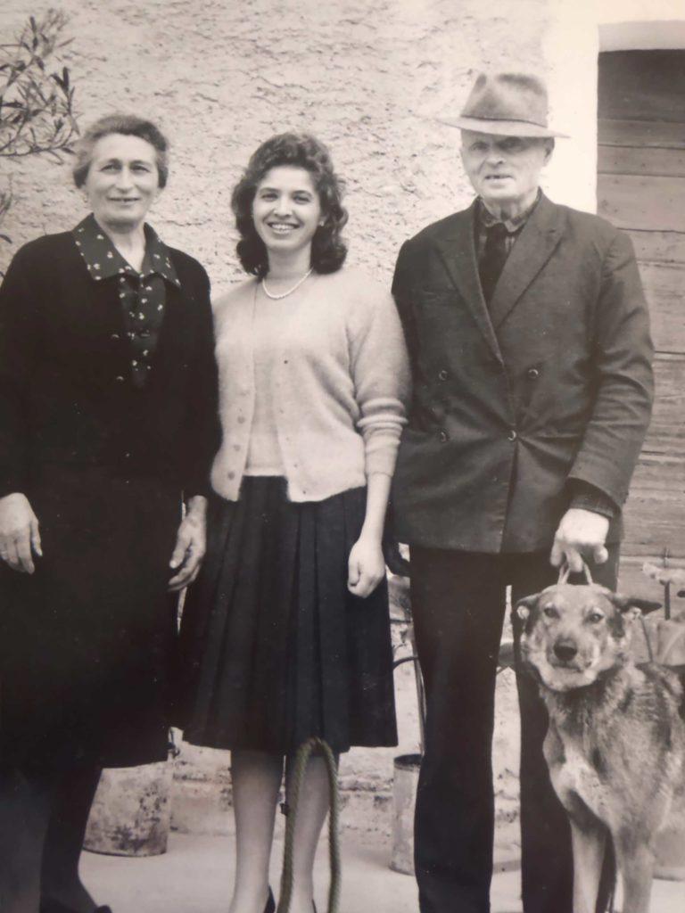 Foto Mazzoccato-Trinca - Alda con i genitori Maria e Albino