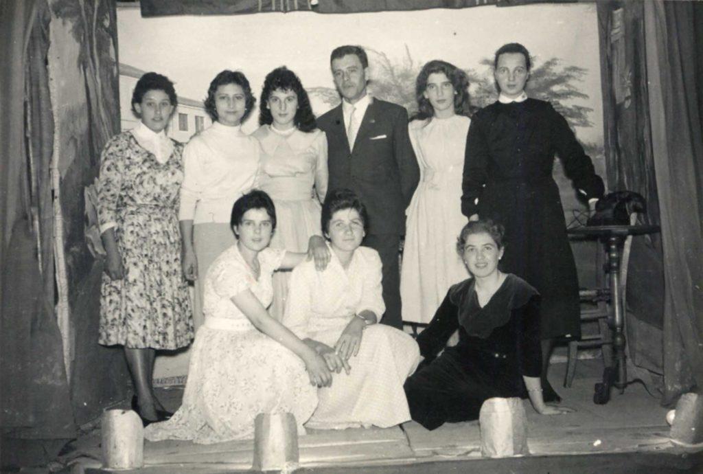 Foto Mazzoccato-Trinca - 1957: foto di gruppo della compagnia teatrale