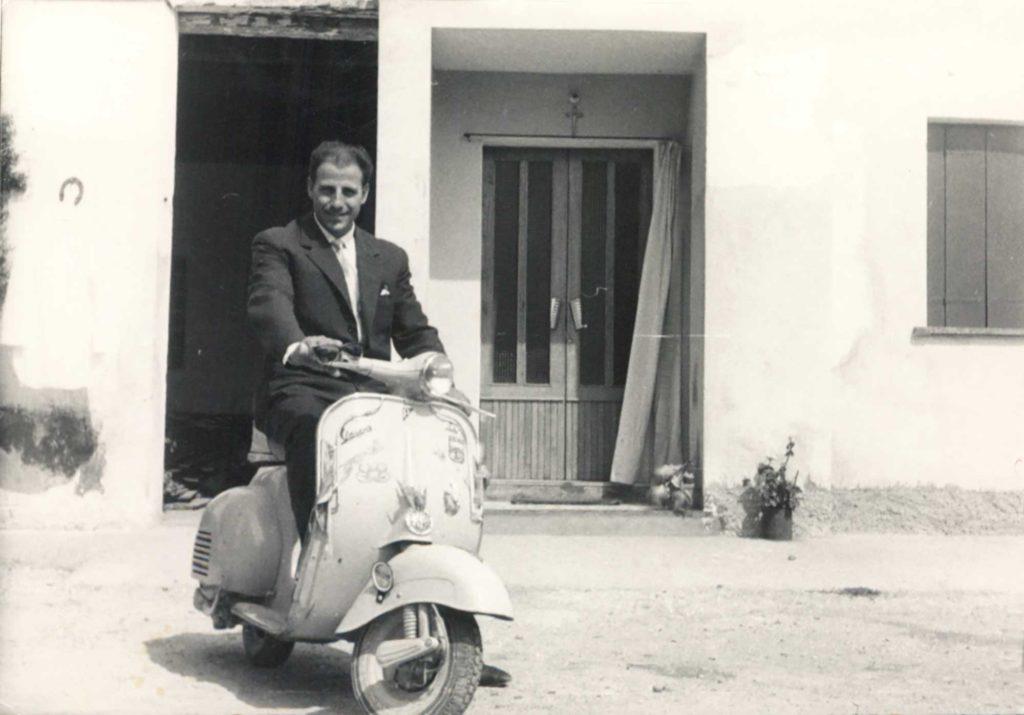 Foto Mazzoccato-Trinca - 1962: Paolo sulla vespa