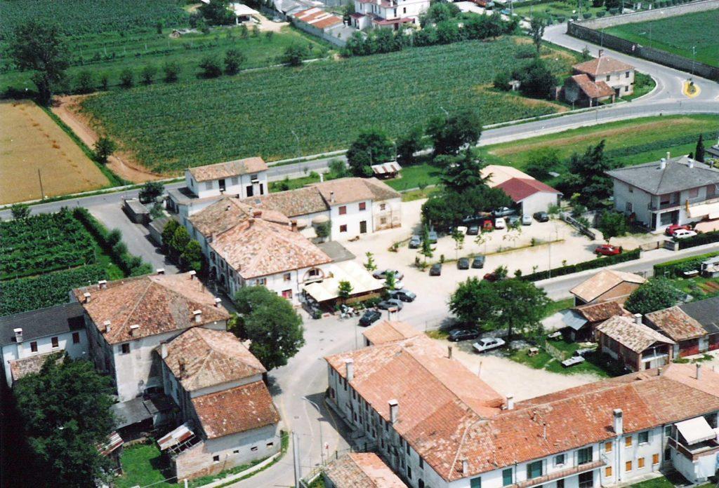Foto Maurizio Soligo - Anni '90: foto aerea di Piazza Cavour