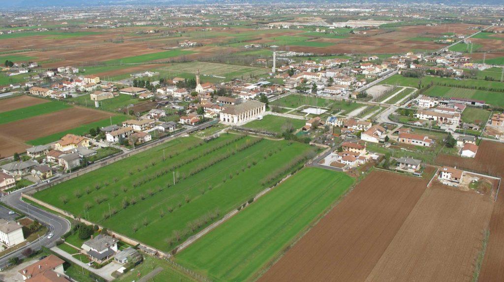 Foto Maurizio Soligo - 2 aprile 2010: foto aerea da sud-est