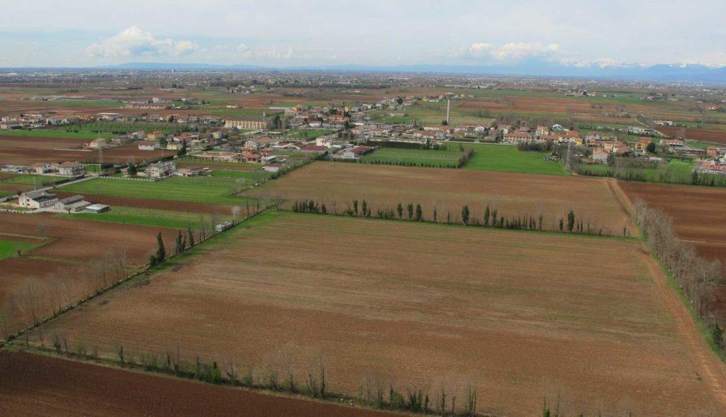 Foto Maurizio Soligo - 2 aprile 2010: foto aerea da est