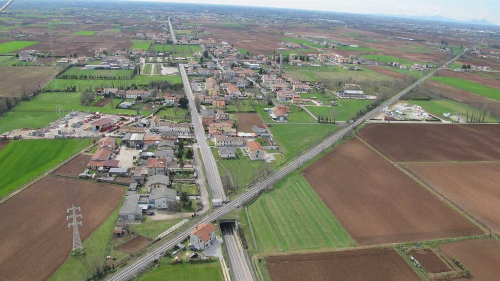 Foto Maurizio Soligo - 2 aprile 2010: foto aerea da nord