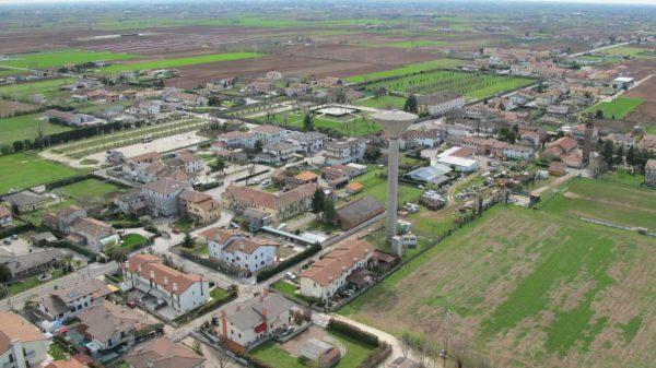 Foto Maurizio Soligo - 2 aprile 2010: foto aerea da nord-ovest