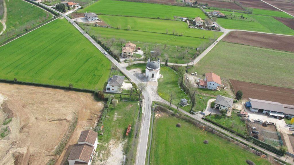 Foto Maurizio Soligo - 2 aprile 2010: foto aerea del Santuario della Beata Vergine di Caravaggio
